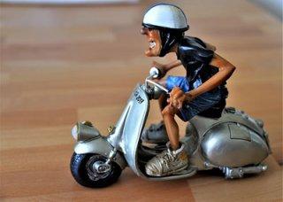LTO, 무허가 도로주행 전기 자전거 압류 결정