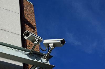 교차로에 설치된 카메라, 범법자 붙잡는다